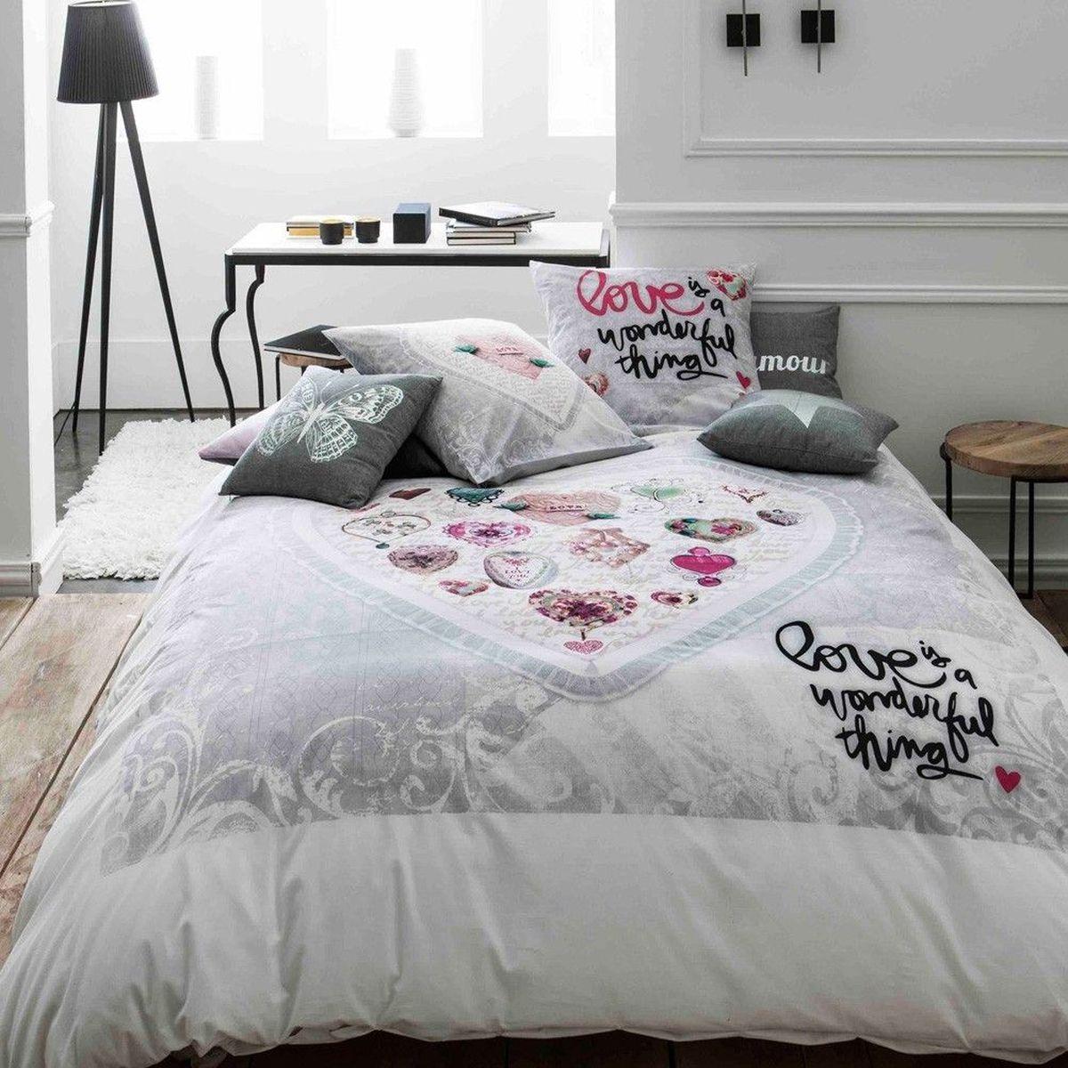 parure de lit love 220 x 240 cm. Black Bedroom Furniture Sets. Home Design Ideas